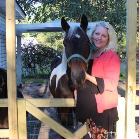 Stephanie Vinka - Vacation Rental Whiz   Hobbs Realty