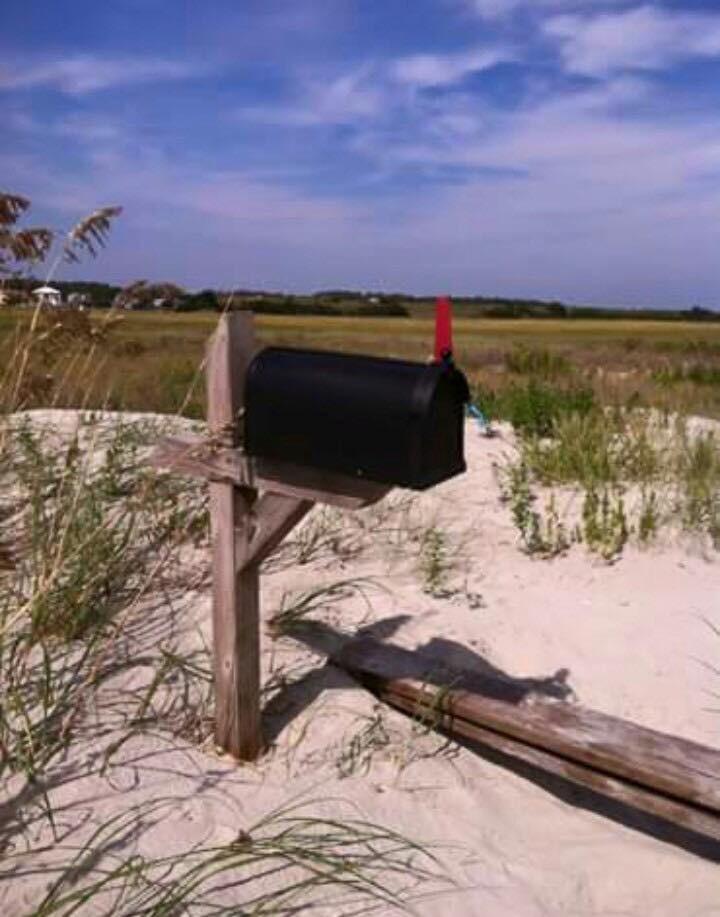 west-end-mailbox