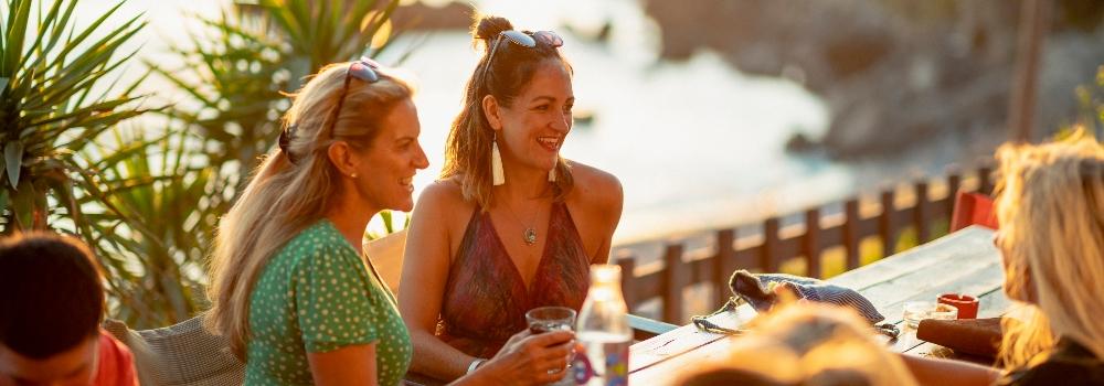 women-at-beach-bar
